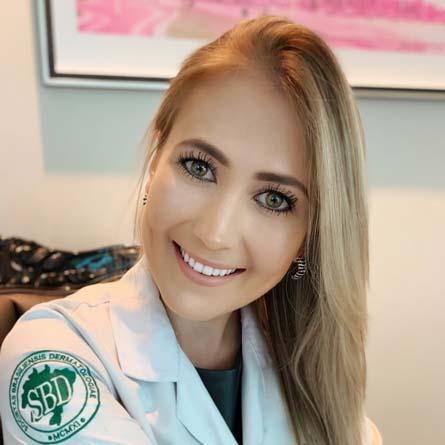 Dra. Maria Carolina Casa Souza